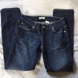 Paris Blues size 9 jeans straight leg darker wash